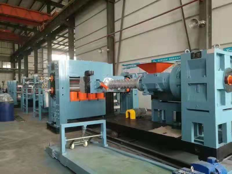 Wide rubber sheet extrusion production line